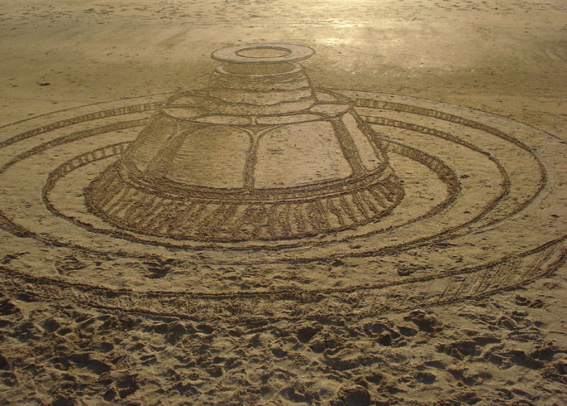 SAND CIRCLES in New Zealand. Created Sunday 1st March? 2015